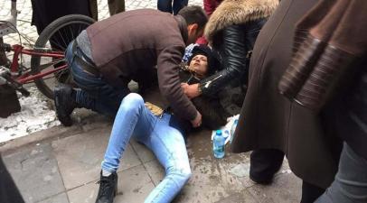 Eskişehir'de başına pencere camı düşen genç kız yaşam savaşı veriyor