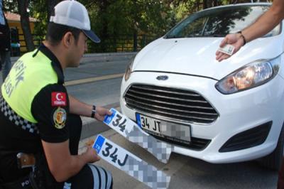 APP plaka kullanan sürücülere 427 TL ceza yazıldı