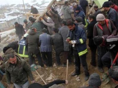 Bakan Koca, Van depremi ile ilgili acı haberi duyurdu