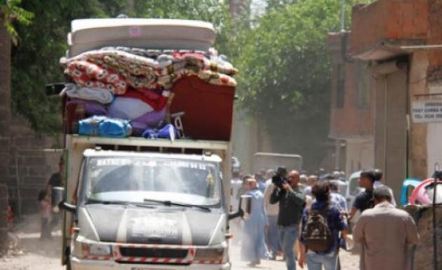 Sur İlçesinde Mağdur Vatandaşlara Devlet Desteği Sürüyor