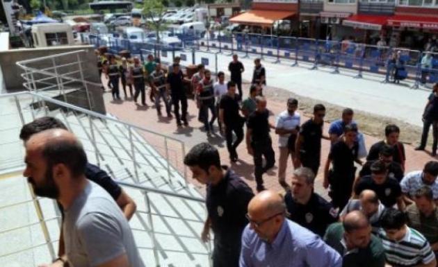 Kocaeli Üniversitesinde 21 Akademisyen Adliyeye Sevk Edildi