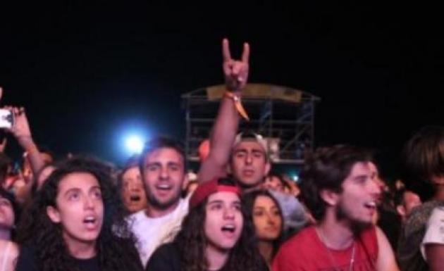 Festivalde Tezahuratlara Dayanamadılar Yeniden Şarkı Söylediler