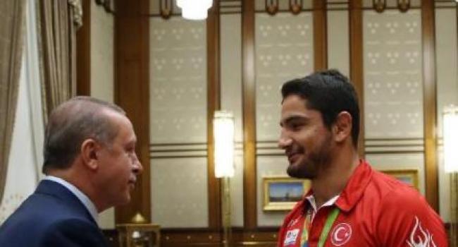 Olimpiyat'ta Madalya Kazanan Sporcular Cumhurbaşkanlığı Külliyesinde