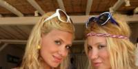 Yunan Adasında Tatil Yapıyorlar