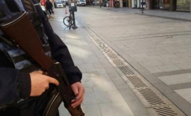 İzmir Karşıyaka Çarşı'da Bomba Paniği
