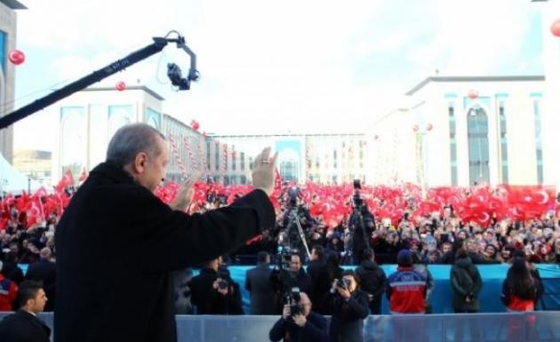 Slogan Atan Öğrencilere Seslendi Millet Ne Diyorsa O Olacak