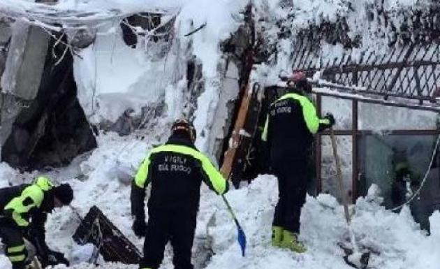Çığ Felaketinde 5 Kişi Canlı Çıkartıldı