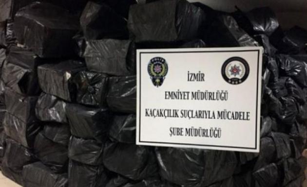 İzmir'de Kaçak Sigara Operasyonu 330 Bin Paket
