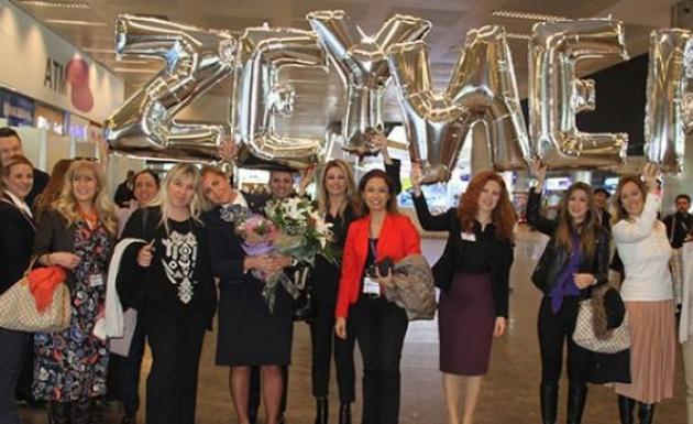 20 Yıllık Kabin Amiri Zeynep'e Arkadaşlarından Sürpriz