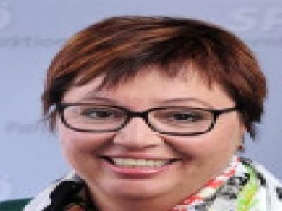 Sağlık Bakanı Kanserle Savaşta Yenik Düştü
