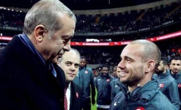 Cumhurbaşkanı Erdoğan Hollanda Milli Futbolcusu Sneijder'i Övdü