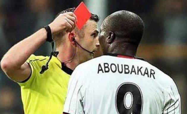 UEFA, Aboubakar'a 3 Maç Ceza Verdi