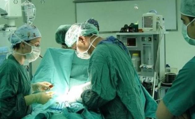 Genel Cerrah Uzmanı 14 Ayda 2 Bin Ameliyat Gerçekleştirdi