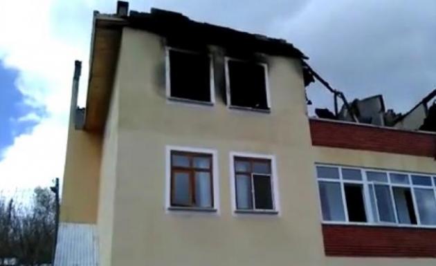 Evinde Yangını Söndürmeye Çalışırken Hayatını Kaybetti