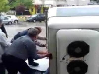 Fabrika İşçilerini Taşıyan Minibüs Devrildi