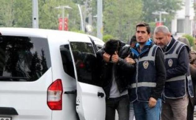 Otomobil Hırsızları Suçüstü Yakalandı
