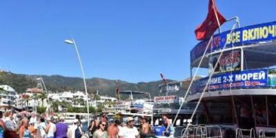 Marmaris Gezi Tekneleri Marşlarla Koyları Geziyor