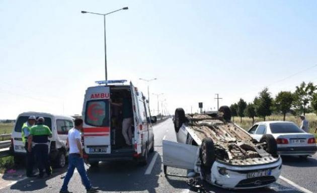 Otomobil Takla Attı 2 Kişi Yaralandı