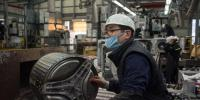 İşçileri 52 saatten fazla çalıştıranlara 2 yıla kadar hapis