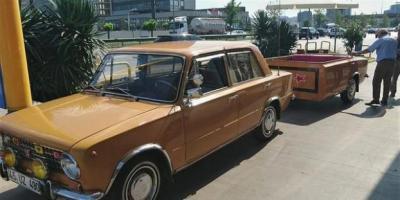 Türk oto tamircisi 1975 model aracı öyle bir hale getirdi ki!