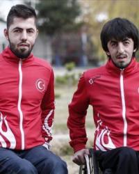 Milli paralimpik masa tenisçi Ali Öztürk ağabeyinin yolunda ilerliyor