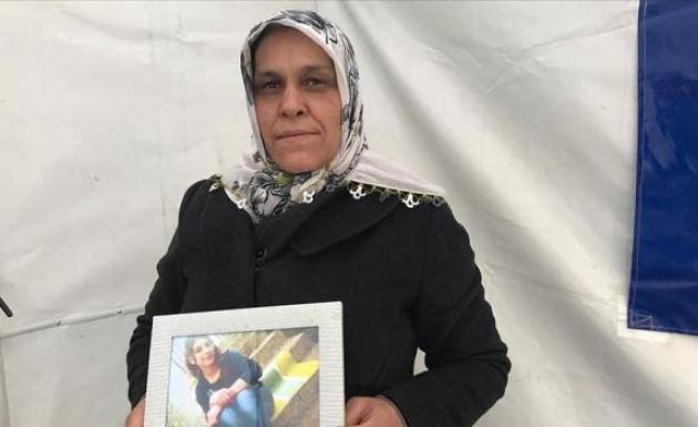 HDP önünde eylem yapan Anne evladına kavuştu