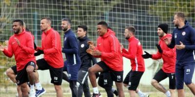 Antalyasporlu futbolcular Runatolia Maratonu'nda koşacak