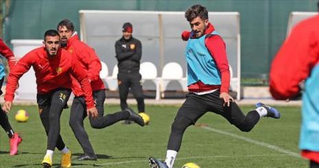 Göztepe Süper Lig'de yarın Kayserispor'a konuk olacak