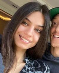Mesut Özil-Amine Gülşe çiftinden müjdeli haber geldi