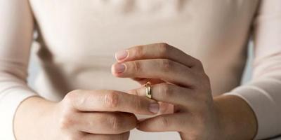 Yargıtay duyurdu: Velayeti alan anne çocuğuna soyadını verebilecek