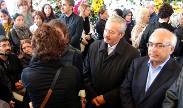 Akın Birdal: Eşim, Ankara'daki Katliamın Üzüntüsünden Hayatını Kaybetti